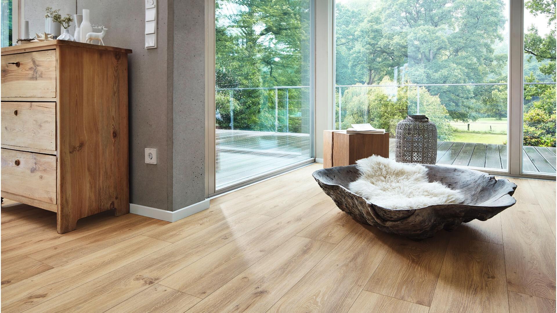 Kehrs Katalog Bild Bad Interior mit Holzboden