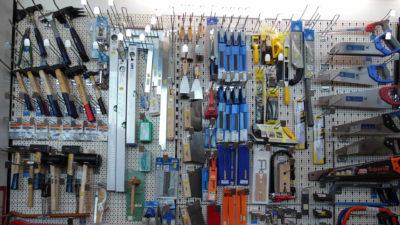 Bühler Holzfachmarkt Mössingen Werkzeuge an der Wand